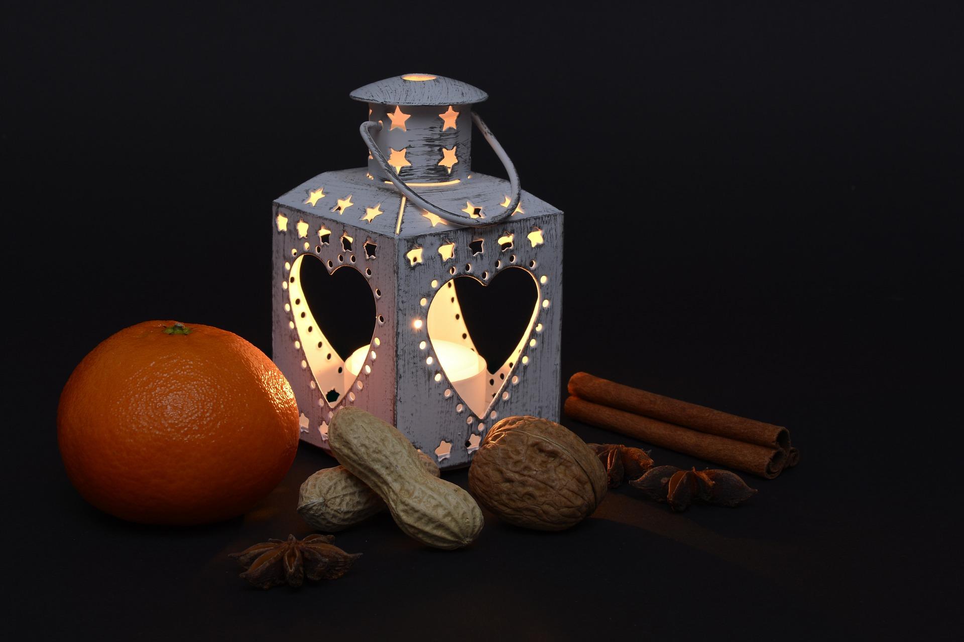 lantern-Fatherheart-France